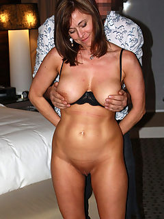 Hot Sexy Busty Mommy